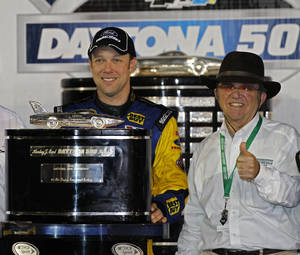 Photo -   FILE - This Feb. 28, 2012 file photo shows Matt Kenseth, left, and car owner Jack Roush celebrating in victory lane after Kenseth won the NASCAR Daytona 500 auto race at Daytona International Speedway in Daytona Beach, Fla. NASCAR points leader Kenseth is leaving Roush Fenway Racing at the end of the season, and Ricky Stenhouse Jr. will be promoted to his seat in the Sprint Cup Series. (AP Photo/Terry Renna, File)