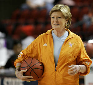 Photo - University of Tennessee coach Pat Summitt watches her team practice for the NCAA women's college basketball tournament in Bowling Green, Ky., Saturday, March 21, 2009. (AP Photo/Ed Reinke)