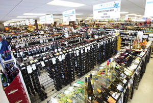 photo - Wine department in Byron's Liquor Stores, Wednesday, November 23, 2011. Photo by David McDaniel, The Oklahoman ORG XMIT: KOD <strong></strong>