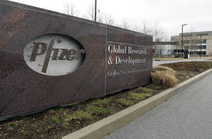 Photo -   A Friday, March 2, 2012 photo shows the exterior of Pfizer in Groton, Conn. Pfizer Inc. said Tuesday, May 1, 2012, that its first-quarter profit fell 19 percent, mainly because new generic competition to its blockbuster cholesterol pill Lipitor cut U.S. sales by 15 percent as the drugmaker offered big rebates and discounts to keep patients on its brand. (AP Photo/Elise Amendola)