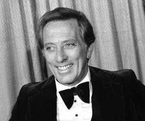 "Photo -   FILE - This Feb. 23, 1978 file photo shows performer and host Andy Williams at the Grammy Awards in Los Angeles. Williams, who had a string of gold albums and hosted several variety shows and specials like ""The Andy Williams Show,"" died Tuesday, Sept. 25, 2012, at his home in Branson, Missouri, following a yearlong battle with bladder cancer, his Los Angeles-based publicist, Paul Shefrin, said Wednesday. He was 84. (AP Photo/Lennox McLendon, file)"