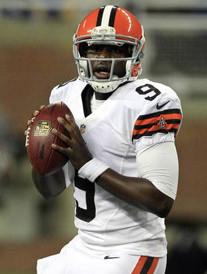 Photo - FILE - In this Aug. 10, 2012, file photo, Cleveland Browns quarterback Thaddeus Lewis looks down field during the second half of an NFL preseason football game against the Detroit Lions in Detroit. Elevated from the practice squad on Monday, Lewis could make his NFL debut in Pittsburgh on Sunday. (AP Photo/Carlos Osorio, File)