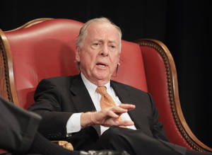 "Photo - T. Boone Pickens speaking during a session titled ""Creative Frontiers, Innovation in Corporate America"" at the Creativity World Forum being held in downtown Oklahoma City Tuesday, Nov. 16, 2010.  Photo by Paul B. Southerland, The Oklahoman"