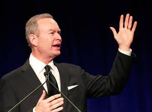 Photo - Oklahoma City Mayor Mick Cornett said NBA players need to recognize a good deal when they see one in an interview with HoopsWorld concerning the NBA lockout.  Photo by Jim Beckel, The Oklahoman ORG XMIT: KOD