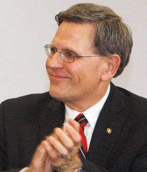 Photo - Kelvin Droegemeier <strong></strong>