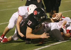 Photo - Colleyville Heritage quarterback Cody Thomas has committed to play at Oklahoma. PHOTO COURTESY DALLAS MORNING NEWS