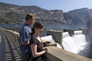Photo - Environmental Defense analyst Spreck Rosekrans, left, and fellow analyst Ann H. Hayden look over O'Shaughnessy Dam and Hetch Hetchy reservoir near Yosemite National Park, Calif., in 2006. AP File Photo <strong>Al Golub</strong>