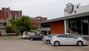 Photo - The Saturn Grill's newest location is in Oklahoma City's Midtown. Photo by Bryan Terry, The Oklahoman <strong>Bryan Terry - THE OKLAHOMAN</strong>