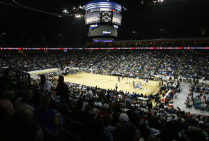 Photo - EXHIBITION / OVERVIEW: An overall view of the BOK Center in the first half during the preseason NBA basketball game between the Oklahoma City Thunder and Houston Rockets at the BOK Center in Tulsa, Okla., Monday, October 13, 2008. BY NATE BILLINGS, THE OKLAHOMAN  ORG XMIT: KOD