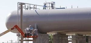 photo - Devon&#039;s new  natural gas plant near Calumet, Tuesday, September 1, 2010.        Photo by David McDaniel, The Oklahoman ORG XMIT: KOD