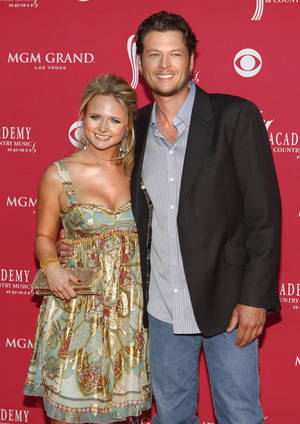 Photo - Miranda Lambert and Blake Shelton wind up their current tour on New Year's Eve in Green Bay, Wisc.  AP PHOTO