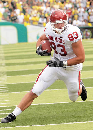 Photo - OU tight end Brody Eldridge is getting playing time on the offensive line because of injuries. PHOTO PROVIDED