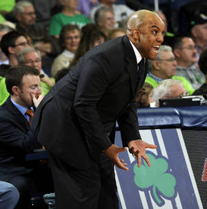 photo - Syracuse coach Quentin Hillman shouts at his team during the first half of a NCAA college basketball game against Notre Dame Tuesday, Feb. 26, 2013 in South Bend, Ind. (AP Photo/Joe Raymond)