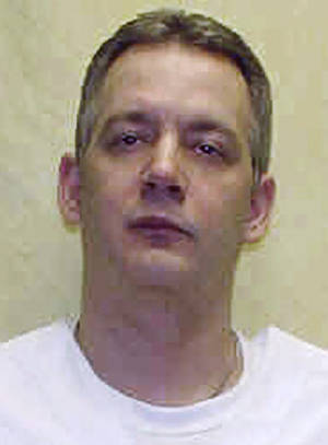 """Photo -   FILE - This undated file photo provided by the Ohio Department of Rehabilitation and Corrections shows death row inmate Brett Hartman. Hartman was executed Tuesday, Nov. 13, 2012 at the Southern Ohio Correctional Facility in Lucasville, Ohio for the 1997 death of Winda Snipes. Warden Donald Morgan said the time of death was 10:34 am. The Ohio Parole Board has unanimously denied Hartman's requests for clemency three times, citing the brutality of the Snipes' slaying and the """"overwhelming evidence"""" of Hartman's guilt. (AP Photo/Ohio Department of Rehabilitation and Corrections, File)"""