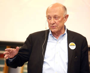 Photo - James Woolsey speaks to the High Noon Gun Club.