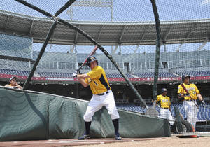 photo -   Kent State's Jimmy Rider waits for a pitch during batting practice in Omaha, Neb., Thursday, June 14, 2012. Kent State is scheduled to play Arkansas on Saturday in an NCAA College World Series baseball game. (AP Photo/Dave Weaver)