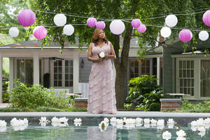 "Photo -   This undated image released by Lifetime shows Queen Latifah as M'Lynn in a scene from the Lifetime Original Movie, ""Steel Magnolias,"" premiering Sunday, Oct. 7, at 9pm on Lifetime. (AP Photo/Lifetime, Annette Brown)"