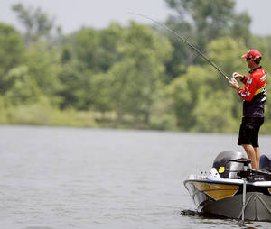 photo - Four-time Bassmaster Classic champ Kevin VanDam fishes on Grand Lake in the 2007 Sooner Run. Grand Lake was named the No. 17 best bass lake in the country by Bassmaster Magazine. PHOTO FROM THE OKLAHOMAN ARCHIVE