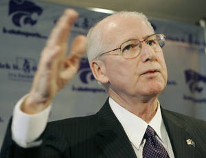 Photo - Bill Snyder, shown here at a news conference announcing his return as Kansas State's football coach, was back at the Big 12 football media days Wednesday. (AP Photo/Orlin Wagner)