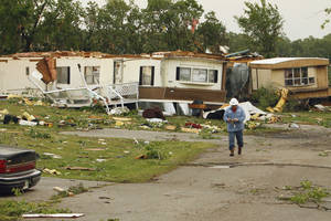 Photo - Priarie Creek Village mobile home park received heavy damage in Noble, Oklahoma on Monday, May 10, 2010.  Photo by Steve Sisney, The Oklahoman