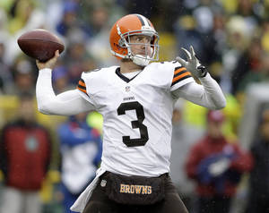 Photo - Browns quarterback Brandon Weeden has struggled in the last two games. AP photo