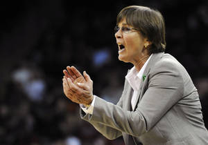 Photo - FILE - In this Dec. 19, 2012 file photo, Stanford head coach Tara Vanderveer gives instructions to her players during the second half of an NCAA college basketball game against South Carolina, in Columbia, S.C. VanDerveer has received a new contract. The coach says she signed a new deal but did not offer specifics.  (AP Photo/Rainier Ehrhardt, File)