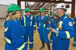 Photo - Gov. Mary Fallin, at left, toured Devon Energy Corp.'s Jackfish operation in Canada's oil sands on Monday. <strong>provided by Devon Energy Corp. - photo by Jean Becq</strong>