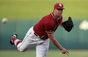 photo - Oklahoma's Jonathan Gray throws a pitch during the Bedlam baseball game between The University of Oklahoma and Oklahoma State University at  Oklahoma City, Saturday, May 5, 2012. Photo by Sarah Phipps, The Oklahoman