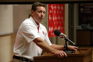 photo - Head coach Bob Stoops speaks with the media during the Meet the Sooners event at the University of Oklahoma on Saturday, Aug. 4, 2012, in Norman, Okla.  Photo by Steve Sisney, The Oklahoman