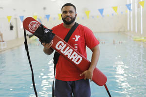 Photo - YMCA lifeguard instructor Willie Bowens is seen at the Northside YMCA pool.  Photo by Doug Hoke, The Oklahoman