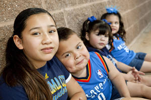 photo - Anthony Ojeda, 6, with his sisters Adrianna, 9, left, Ava, 3, and Adayla, 4.  Anthony Ojeda received a kidney from an Oklahoma State University student who died in an accident in 2009. <strong>BRYAN TERRY - THE OKLAHOMAN</strong>