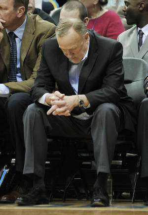 Photo -   Minnesota Timberwolves coach Rick Adelman looks down in the second half during his team's 131-102 loss to the Denver Nuggets in an NBA basketball game Thursday, April 26, 2012, in Minneapolis. The Timberwolves ended their season with a 26-40 record. (AP Photo/Jim Mone)