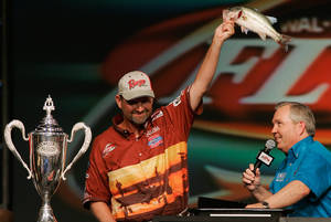 Photo - George Cochran, the only person to win a Bassmaster Classic and a FLW Championship, will teach a Bass Fishing Techniques class at Rose State College in Midwest City this month. AP ARCHIVE PHOTO