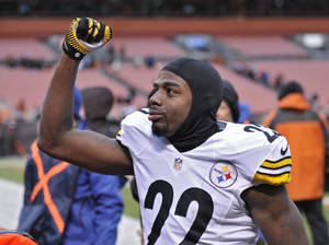 Photo - Pittsburgh Steelers cornerback William Gay celebrates after a 27-11 win over the Cleveland Browns in an NFL football game Sunday, Nov. 24, 2013. (AP Photo/David Richard)