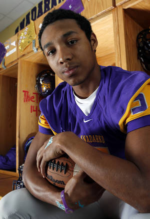 photo - HIGH SCHOOL FOOTBALL: Anadarko running back R.J. Sink on Tuesday, Nov. 20, 2012 in Anadarko, Okla.  Photo by Steve Sisney, The Oklahoman