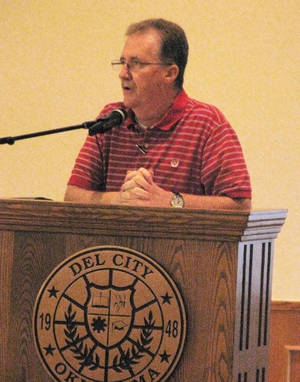 photo - Del City Mayor Brian Linley speaks about the city's 1.5 percent temporary sales tax that's up for renewal on Aug. 28. photo by Vallery Brown, the Oklahoman