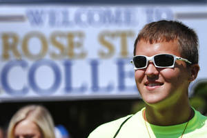 Photo - Freshman Ryan Melton attends Raider Dayz activities for the opening of the fall semester at Rose State College on Monday.  Activities were sponsored by the student activities department.       Photo by Jim Beckel, The Oklahoman. <strong>Jim Beckel - THE OKLAHOMAN</strong>