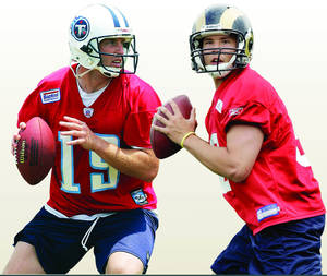 Photo - Former OU quarterbacks Jason White, left, and Sam Bradford. AP Photos
