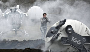 "Photo - Tom Cruise stars in the post-apocalyptic thriller ""Oblivion."" UNIVERSAL PICTURES PHOTO <strong></strong>"