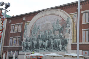 Photo - This three-story Chisholm Trail mural by Richard Haas is foundin Fort Worth's Sundance Square, a downtown arts and shopping district. <strong></strong>