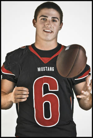Photo - Mustang wide receiver David Glidden.  Photo by Chris Landsberger, The Oklahoman