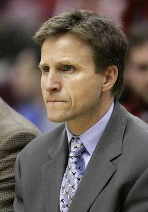photo - Oklahoma City Thunder coach  Scott  Brooks watches from the bench during the Thunder's 117-82 loss to the Cleveland Cavaliers in an NBA basketball game Wednesday, Nov. 26, 2008, in Cleveland. (AP Photo/Mark Duncan)