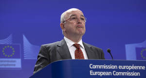 photo - European Commissioner for Competition Joaquin Almunia speaks during a media conference at EU headquarters in Brussels on Wednesday, March 6, 2013. The European Union Commission has fined Microsoft euro 561 million (US dollars 733 million) for breaking the terms of an earlier agreement to offer users a choice of internet browser. (AP Photo/Virginia Mayo)