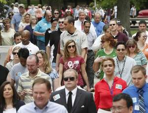 photo - About 350 state workers joined Gov. Mary Fallin in a walk around state office buildings north of the Capitol as part of her campaign to promote better health and wellness in Oklahoma on Monday, May 14, 2012. Photo by Jim Beckel
