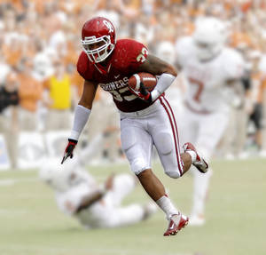 Photo - OU fullback Trey Millard  Photo by Chris Landsberger,  The Oklahoman; Illustration by Phillip Baeza, The Oklahoman