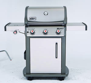 Photo -  In Consumer Reports' recent gas grill tests, the Weber Spirit SP-320 preheated quickly and evenly.
