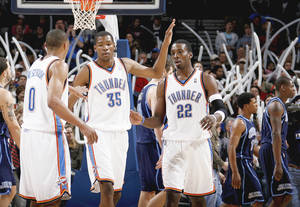 photo - Most observers put the Thunder winning between 30 and 39 games this season.  PHOTO BY BRYAN TERRY, THE OKLAHOMAN ARCHIVES