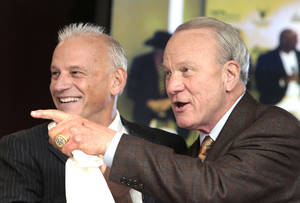 Photo - Barry Switzer talks about not recruiting Leslie O'Neal at the Oklahoma Sports Hall of Fame induction Class of 2014, Thursday, January 16, 2014. Photo by David McDaniel, The Oklahoman