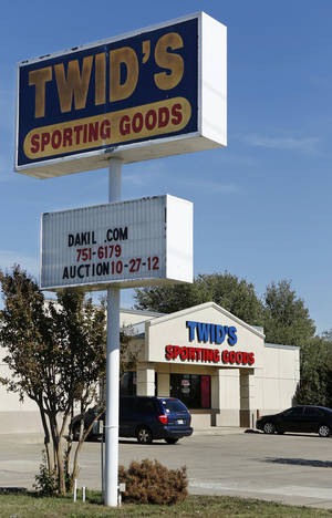 Photo - Twid's Sporting Goods, at 6001 SE 15 in Midwest City, closed last month after serving the Mid-Del and Eastern Oklahoma County for several decades. <strong>Jim Beckel - THE OKLAHOMAN</strong>