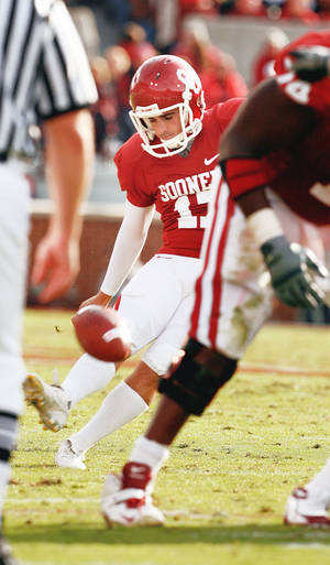 Photo - OU kicker Jimmy Stevens kicked four field goals against Baylor, but field goals won't be enough to beat Texas on Saturday.  PHOTO BY STEVE SISNEY, THE OKLAHOMAN